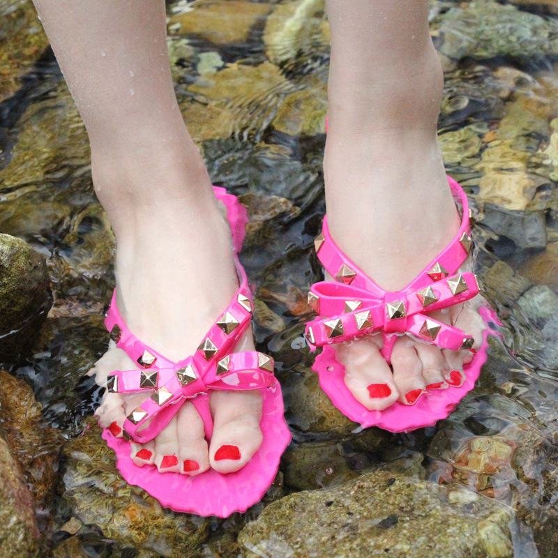 Summer Holiday Rivet Bowknot Flip Flops Girls Beach Slides Women Sandals Slip on Flat Jelly Shoes Women Studs Slippers 2019 4