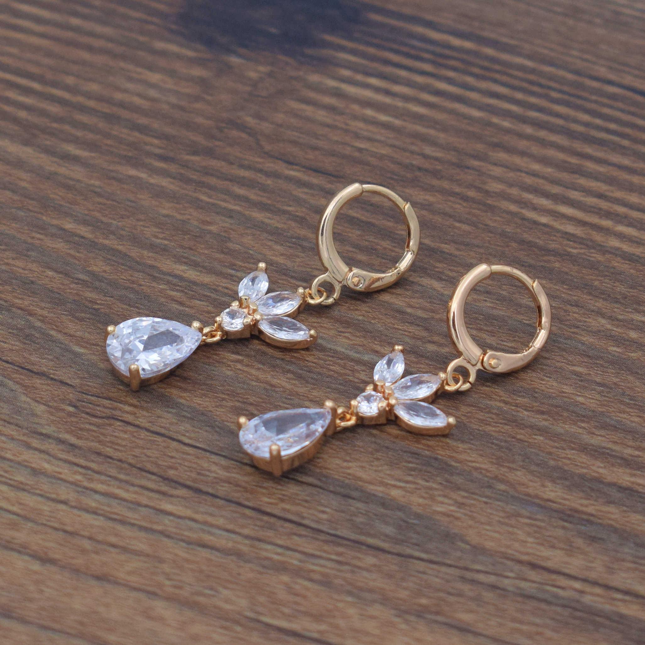 ผู้หญิงอินเทรนด์ water drop ต่างหู cubic zircon ต่างหู dangle เครื่องประดับสไตล์หวาน rose gold 585 ต่างหูคริสตัลสำหรับสุภาพสตรี