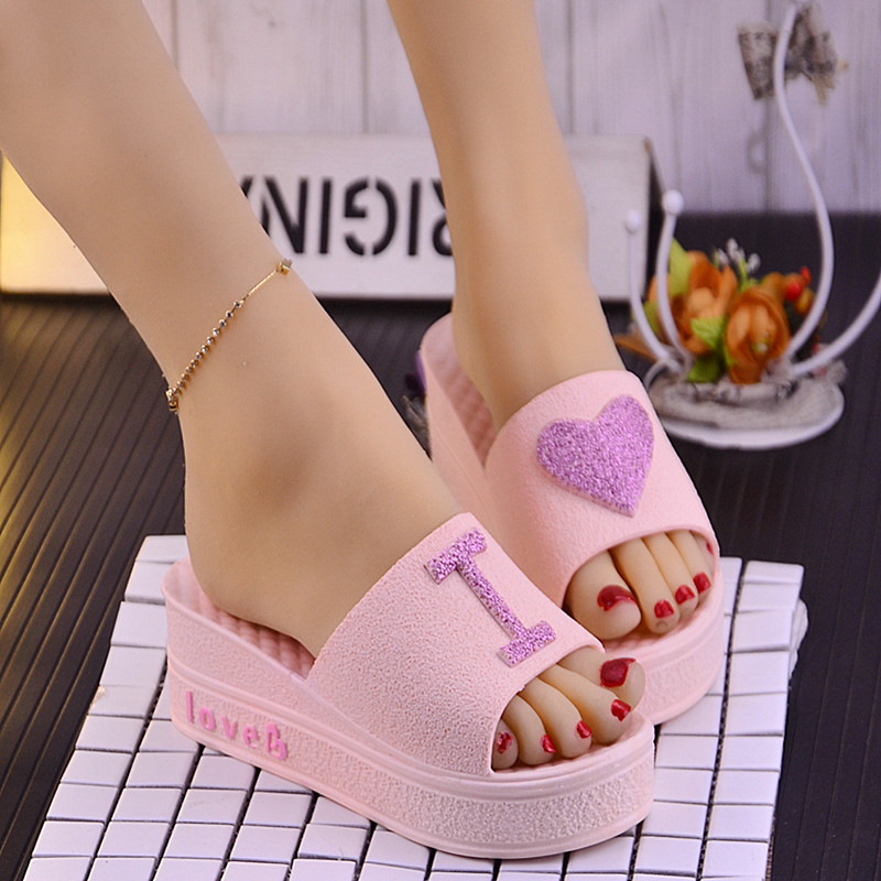 Summer New Fashionable Women Platform Slippers Heart-shaped Muffin Heel Ladies Slides Thick Sole High Heel Slippers