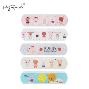 Image 4 - 100 قطعة ضمادات لاصقة مضادة للماء تسمح بالتهوية على شكل فرقة كارتونية لطيفة للأطفال