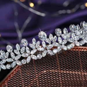 Image 5 - ティアラと王冠 hadiyana エレガンテ結婚式髪 accessoriess ファッションのヘアクリップ立方ジルコン BC5511 コロナプリンセサ