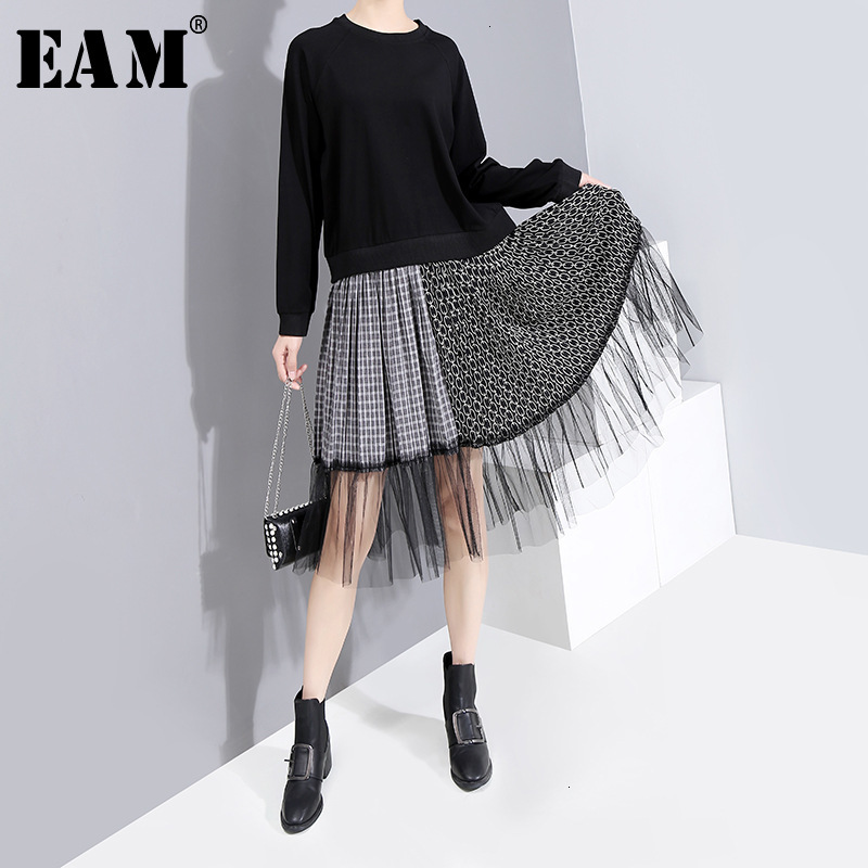 [EAM] Women Black Plaud Mesh Split Temperament Dress New Round Neck Long Sleeve Loose Fit Fashion Tide Spring Autumn 2020 1H876