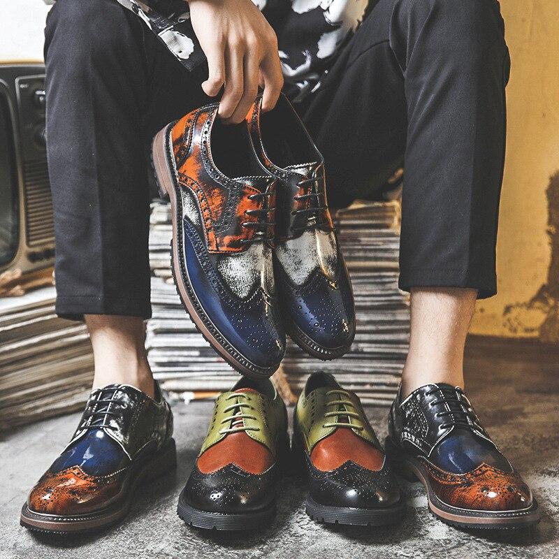 Hommes chaussures britannique en cuir verni rétro affaires robe hommes en cuir chaussures formelles Oxfords pour hommes coréen Bullock homme chaussure décontracté