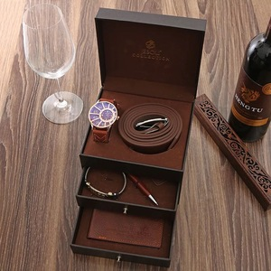 Мужской роскошный подарочный набор в коробке, модные деловые часы, кожаный бумажник, ремень, мужской браслет, брелок, шариковая ручка, костю...