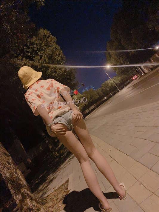 推特少女@一颗小草莓[9P+24V/190MB]