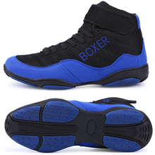 New Mens Boxing Shoes Light Weight Boxing Trainers Sneakers Men Breathable Wrestling Shoes Outdoor Blue Red Wrestling Wears