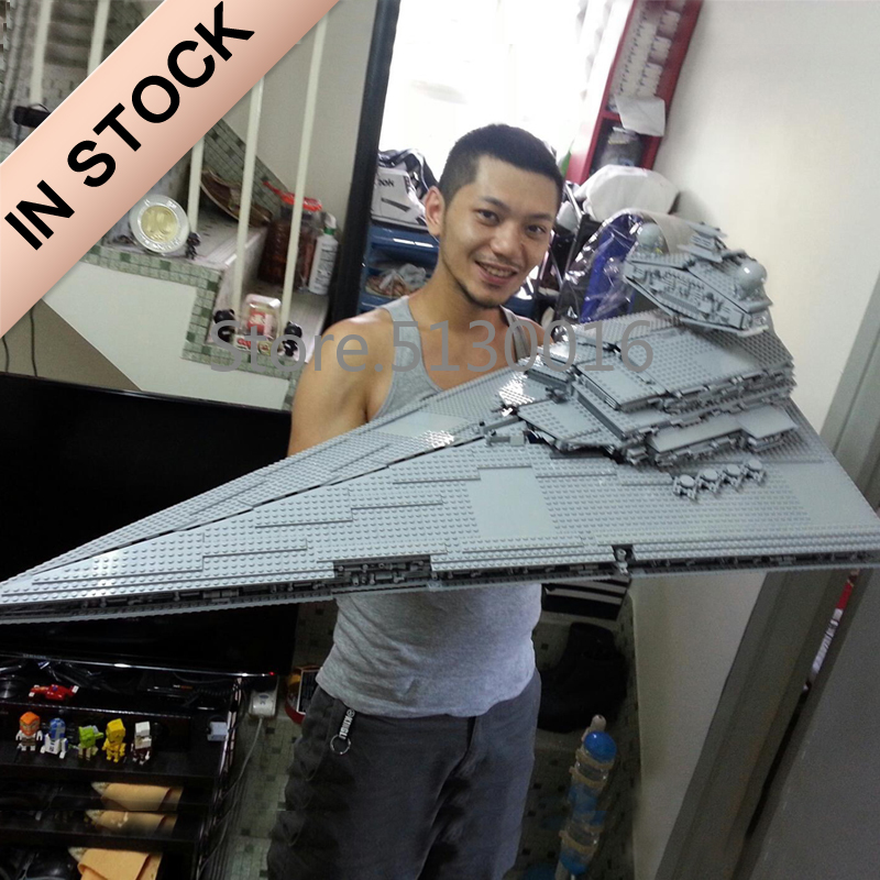05027 In Stock The Imperial Star Destroyer UCS Fighters 3250pcs Star Series Wars Building Blocks 10030 75252 05077 81029 81098