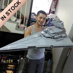 In Voorraad 05027 De Keizerlijke Star Destroyer UCS Fighters 3250pcs Star Movie Wars Model Bouwstenen Compatibel met 10030 speelgoed