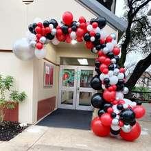 161 sztuk DIY czerwony czarny balon Garland Arch zestaw Sliver biały balon na urodziny i bociankowe przyjęcie weselne dekoracje