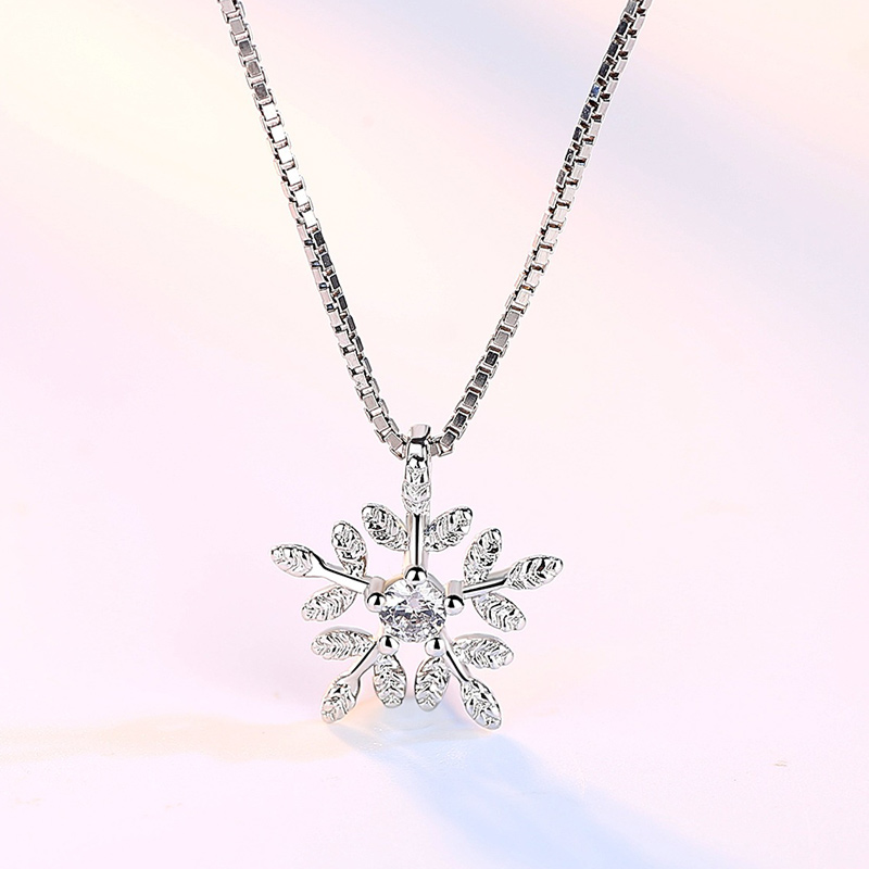 Sweet and tender leaves Pendant Snowflake Pendants & Necklace Plated Silver Jewelry Fashion Crystal Necklaces For Women