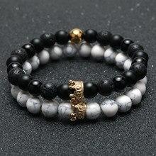 Pulseiras com contas de pedra naturais boho, 2 peças Conjunto charmoso para homens e mulheres com coroas de ouro, braceletes para casal ou amigos