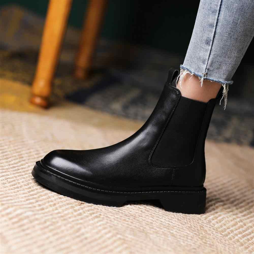 2021 sonbahar ve kış yeni deri kalın tabanlı İngiliz tarzı Chelsea çizmeler kadın yuvarlak ayak kısa çizmeler sıcak peluş
