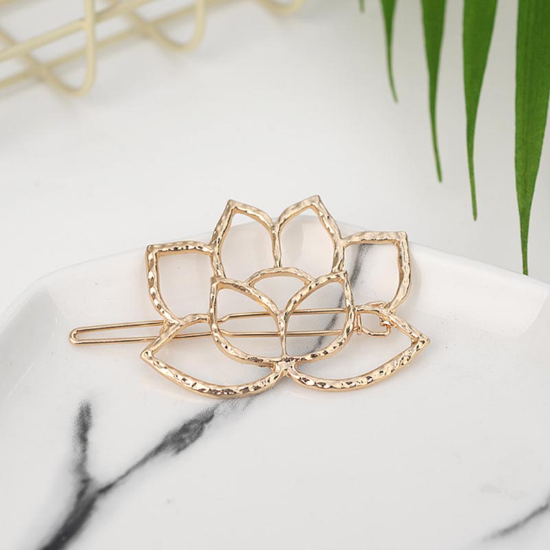 Fashion-Woman-Hair-Accessories-Triangle-Hair-Clip-Pin-Metal-Geometric-Alloy-Moon-Circle-Hairgrip-Barrette-Girls.jpg_640x640 (1)