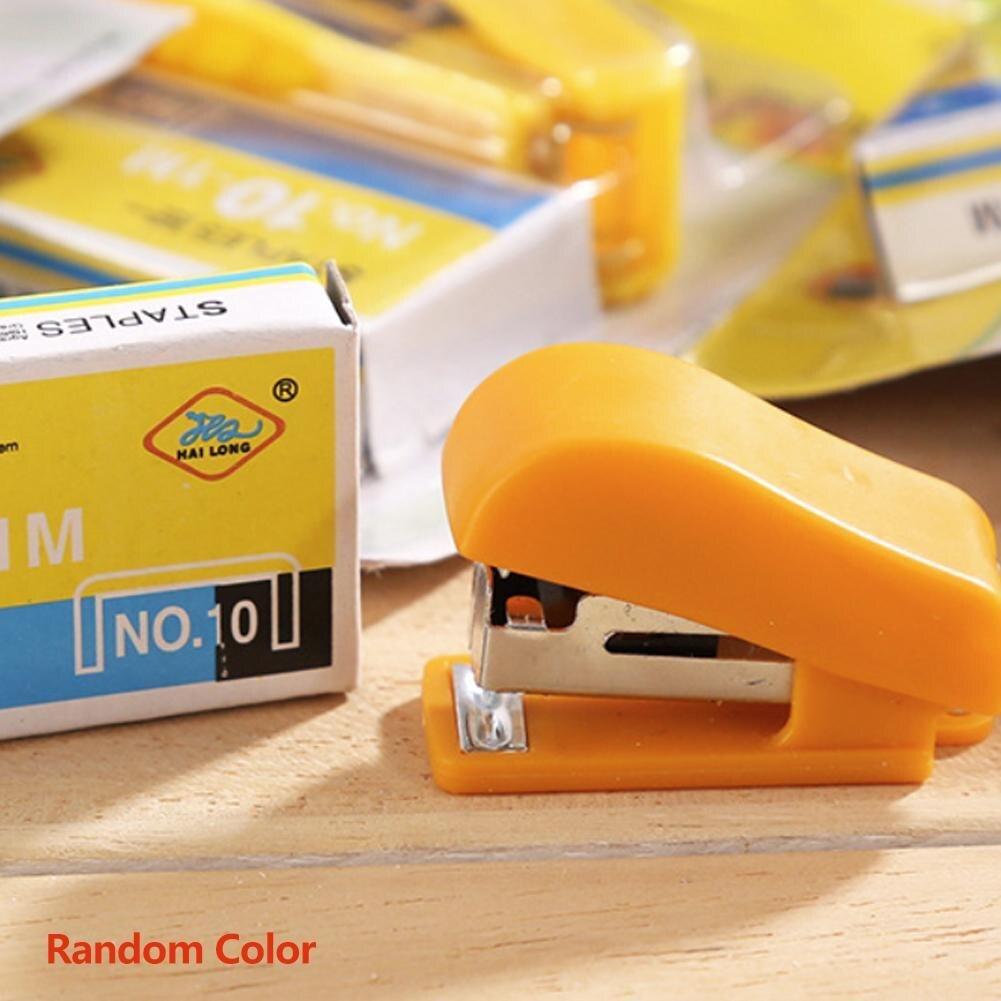 1 Pc Portable Kawaii Super Mini Stapler Useful Mini Stationery Set Office Random Small Stapler Binding Color Staples W6I3