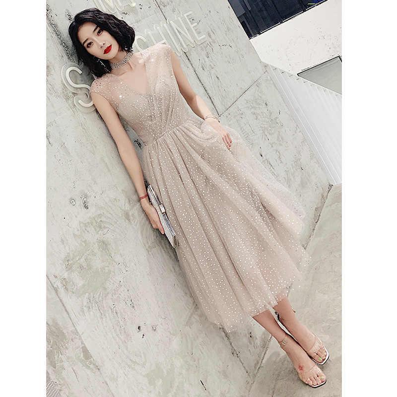 זה Yiiya שמלת נשף V-צוואר נצנצים שרוולים אונליין אשליה קצר לנשף שמלה באורך הברך בתוספת גודל Vestidos דה גאלה LF225