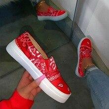 цена на New 2020 Women Vulcanized Shoes Female Sneakers Slip on Fashion Canvas Platform Woman Shoes Walking Footwear Flat Shoes Women