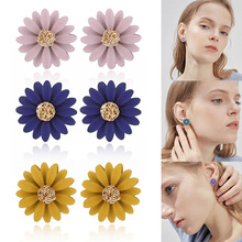 Fashion Small Sun Flower Ear Studs Elegant Alloy Earrings for Girls Women Daily