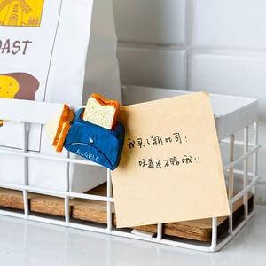 Image 3 - Ímãs de geladeira de resina 3d fofos, ímãs de desenho animado em resina para geladeira, refrigerador com mensagem, adesivo para crianças, brinquedo de decoração de natal em casa, 1 peça