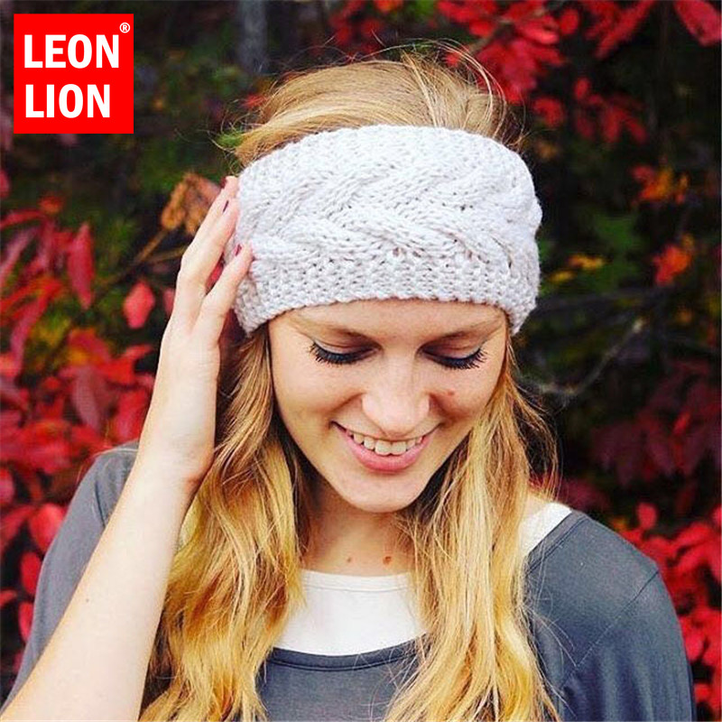 LEONLION Winter Cap Solid Knitted Hats Ponytail Beanie Winter Hat Women Braided Hair Band Warm Beanies Geometric Ear Protection