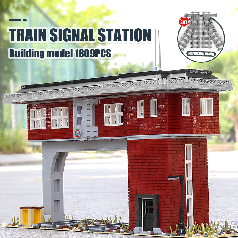 MOULD KING 12009 The Railway Signal Tower Set