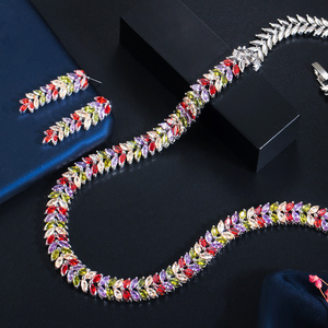 Image 5 - Cwwzircons Exquisite Zirconia Wedding Party Sieraden Set Bladeren Vorm Hoge Kwaliteit Cz Bridal Ketting Earring T075