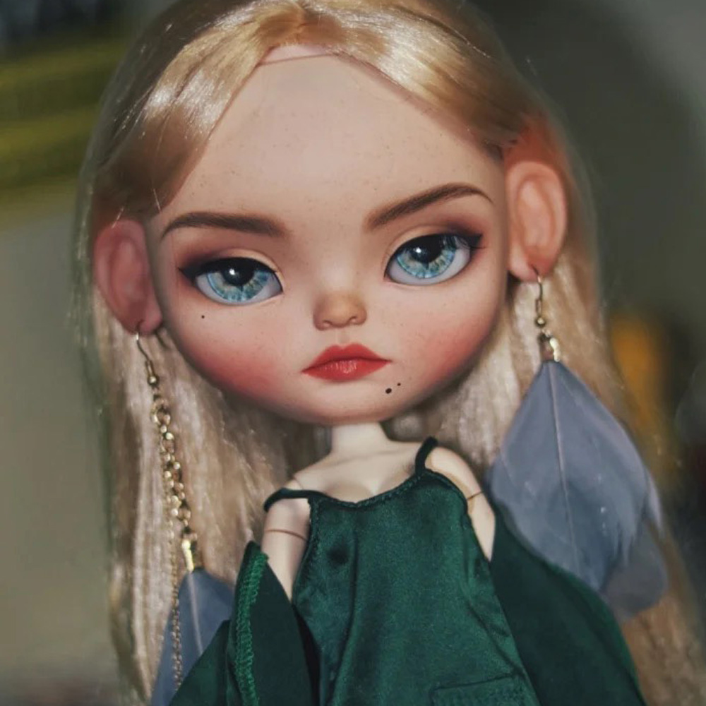 ICY 19 Joint Blyth Doll With Makeup Face Tanskin With Hair Girl Gift Indifferent Expression Expression Makeup Doll