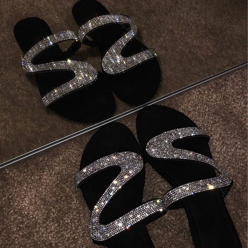 Women Summer Slippers for 2020 Fashion Crystal Beach Slides Flat Heel Bling Slippers Casual Shoes Female