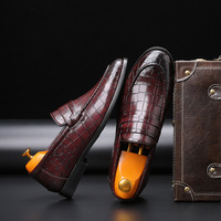 Black Red Men Formal Shoes Men Business Leather Loafer Shoes Italian Men Shoes 2019 Fashion Crocodile Pattern Moccasin Shoes