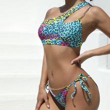 Seksowny nadruk Bikini Leopared strój kąpielowy kobiety zestaw Bikini wyściełane stroje kąpielowe lato plaża jedno ramię strój kąpielowy-40 tanie tanio Poliester Akrylowe CN (pochodzenie) WOMEN Pływać SWD34135 Pasuje prawda na wymiar weź swój normalny rozmiar Drukuj