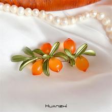 HUANZHI 2020 nowa jesienno-zimowa roślina kwiaty liście owoce pomarańczowy sztuka Vintage broszka dla kobiet sweter płaszcz akcesoria biżuteria tanie tanio CN (pochodzenie) Ze stopów żelaza Broszki PLANT Moda Kobiety TRENDY Metal