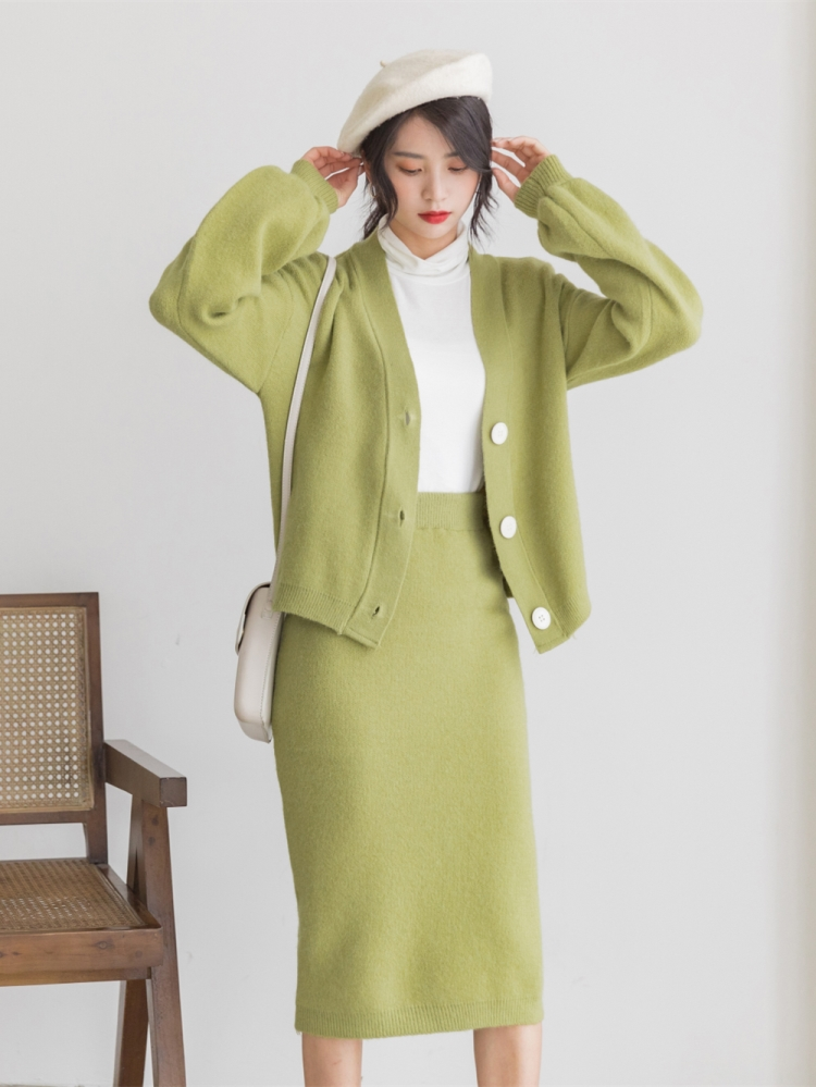 H72f77bc4b75a4e979982a3b0f39ca9b5A - Autumn / Winter V-Neck Cardigan and Solid Midi Pencil Skirt
