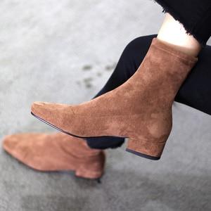 Image 4 - Ins Hot Vrouwen Laarzen Britse Stijl Plus Size Stretch Laarzen Casual Flock Europese En Amerikaanse Laarzen Vrouwen Varkensleer Voering Binnenzool