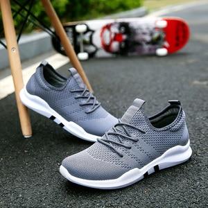 Image 2 - 신발 남자 통풍 스 니 커 즈 Unisex 크기 커플 신발 성인 레드 블랙 화이트 고품질 미끄럼 방지 부드러운 메쉬 신발