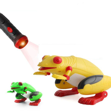 Remote Control animal Kid Holiday Gift Toy Prank Fake Frog Simulation Light-Sensor Funny Toy For Kids educational Toy Rc Toy simulation rc battle tank toy 516 voiced mode and unvoiced mode switch 2 colors optional educational toy kids best gift toy play