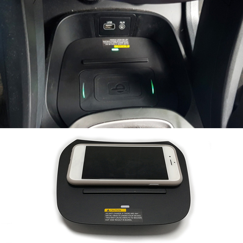 For Hyundai Santa Fe IX45 2013 2014 2015 2016 2017 2018 Car Accessories 10W Mobile Phone QI Wireless Charger Phone Adapter