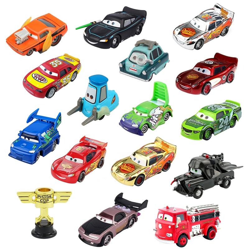 Disney Pixar arabalar 2 3 yıldırım McQueen Piston kupası Diecast araç sıcak oyuncak modeli doğum günü hediyesi için çocuk
