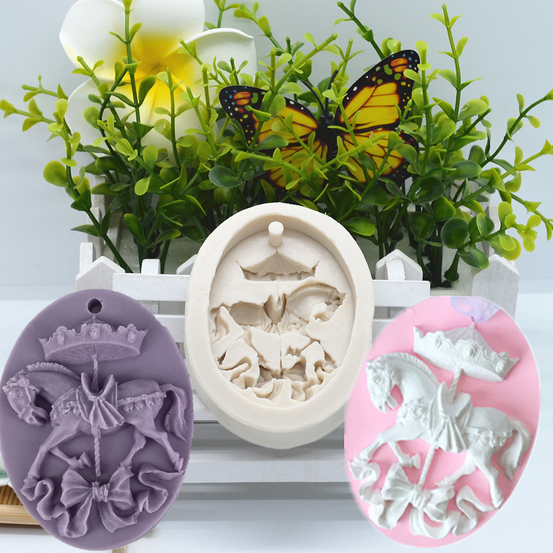 Carousel Silicone Mold Horse Cake Lace Decoration DIY Design Chocolate Pastry Dessert Fondant Mold Resin Kitchen Tool For Baking