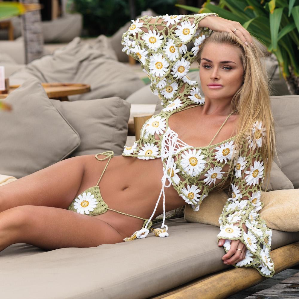 Sexy V Neck Crop Top Women Summer 2019 Handmade Crochet Long Sleeve Beach Wear Cover Up Dress Hollow Out Beachwear Femme Tunic