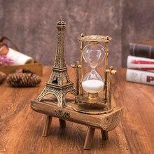 Vintage torre de París banco de madera figuras de reloj de arena para la decoración del hogar nuevo diseño modelo miniatura ornamento regalos de cumpleaños