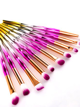 10 Pcs Purple Makeup Brush Set Diamond Gradient Color Plastic Handle Eyeshadow Bulk Angled Brow Cosmetics For Women Powder Brush