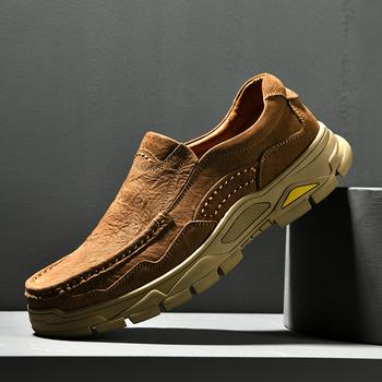 Męskie obuwie wkładane mokasyny trampki oryginalne skórzane ręcznie Retro rekreacyjne modne buty modne buty męskie mokasyny tanie i dobre opinie fuhaobang Prawdziwej skóry Skóra bydlęca RUBBER 6561106 Slip-on Pasuje prawda na wymiar weź swój normalny rozmiar