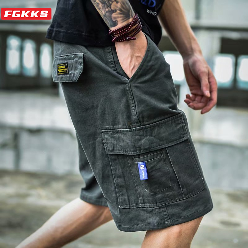 FGKKS Men Multi-Pocket Cargo Shorts Summer Male Fashion High Quality Streetwear Joggers Shorts Men's Hip Hop Casual Short