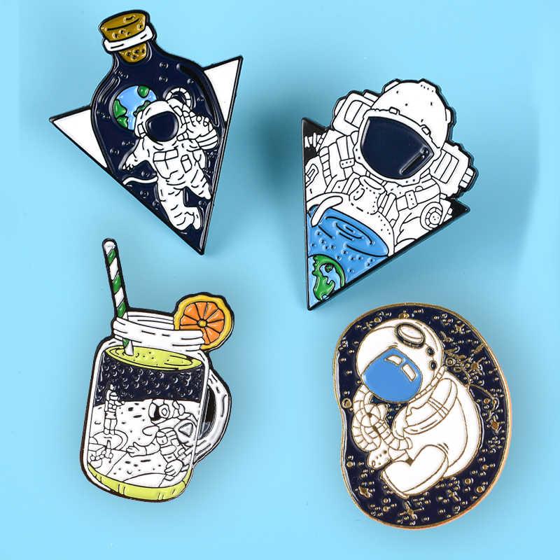 Астронавт в бутылке нагрудные булавки Маленькая детская Сода модные броши значки рюкзак эмалированные шпильки ювелирные изделия подарок для аэрокосмических фанатов