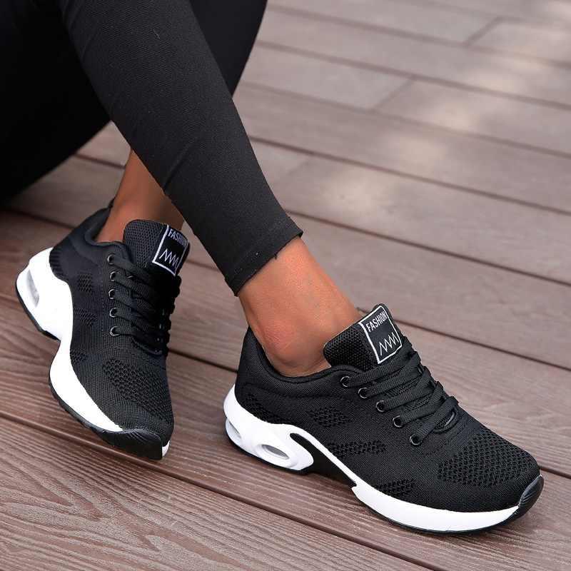 ファッション女性軽量スニーカーランニングシューズアウトドアスポーツシューズ通気性メッシュ快適さのエアクッションレースアップ