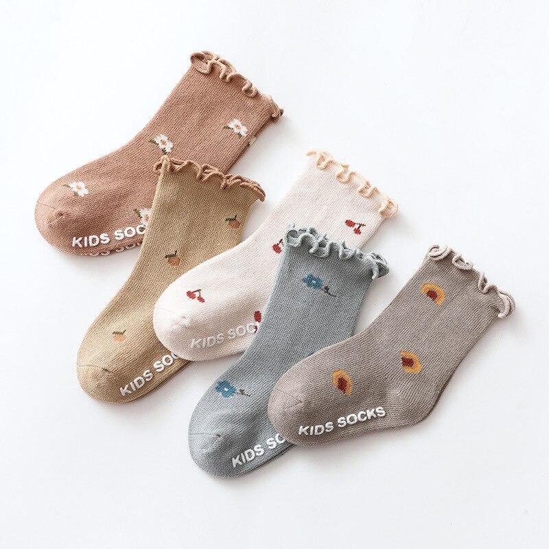 Новинка 2021, весенние носки для маленьких девочек от 0 до 5 лет, детские носки для девочек, нескользящие носки для новорожденных младенцев с об...