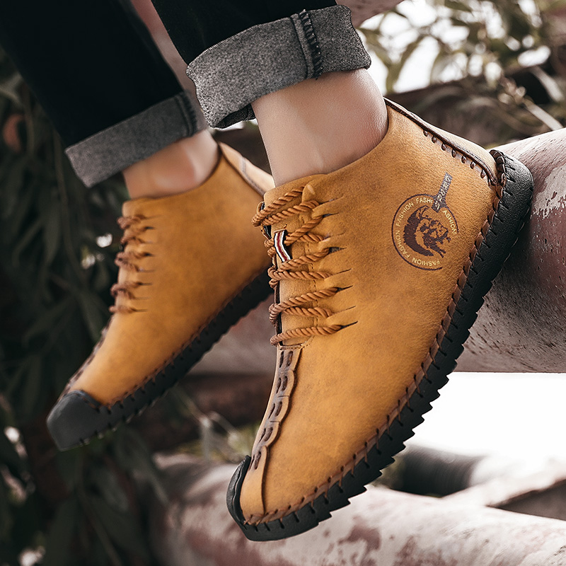 2019 Winter Men Boots Leather High Top Lace-Up Snow Boots Warm With Fur Lightweight  Waterproof Ankle Shoes 2019 New Large Size
