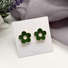 Маленькие серьги гвоздики с эмалью в Корейском стиле зеленой