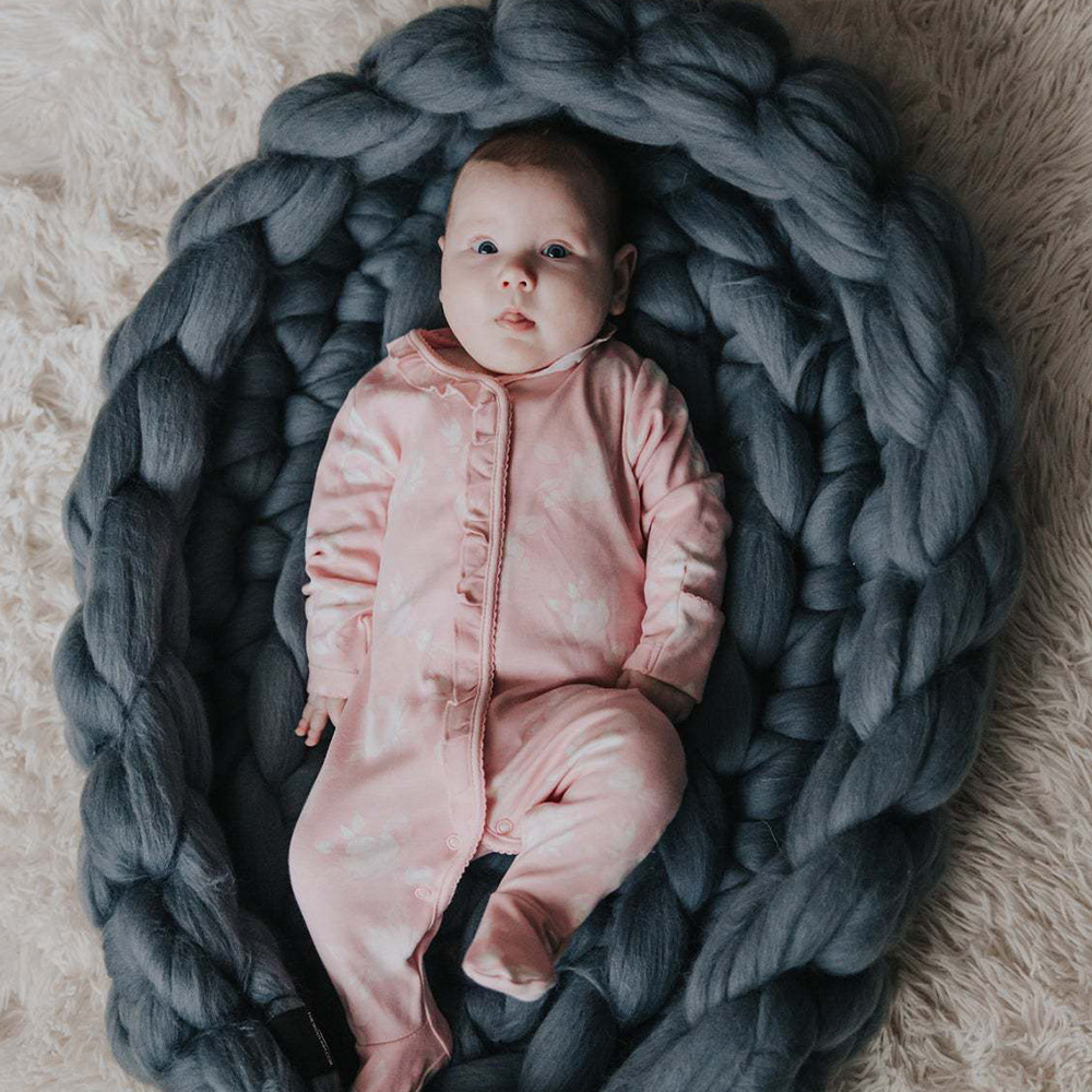 Handmade Woven Baby Nest Bed Portable Knit Crib Infant Toddler Sleeping Bed Travel Bassinet Photography Prop ZT65