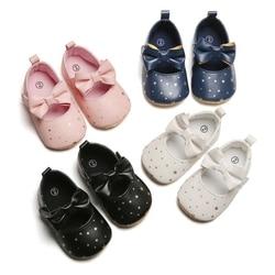 Bebé niña cuna zapatos de PU bebé recién nacido Bowknot suave suela para bebés estrellas estampado zapatillas bebé primeros caminantes Bowknot zapatos sd
