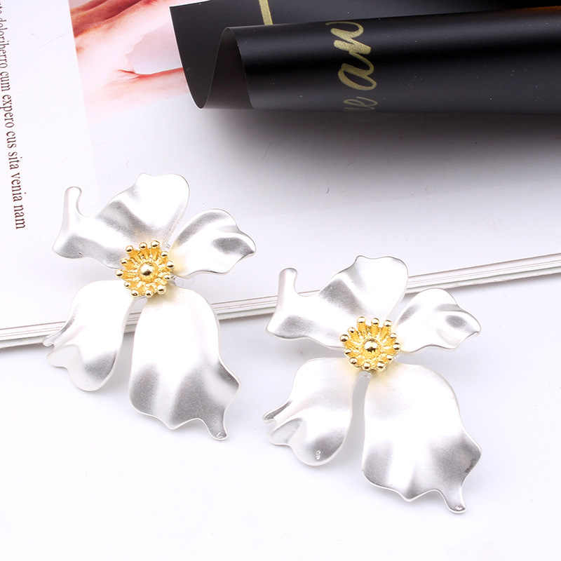 VOHE Korean Style Cute Flower Stud Earrings For Women 2018 New Fashion Sweet Earrings Femme Brinco Wholesale Jewelry